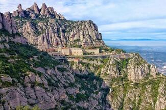 Barcelona Full Day: Highlights AM & Montserrat PM with Cog-wheel Train