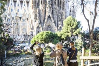 Artistic Barcelona PM: The Best of Gaudí