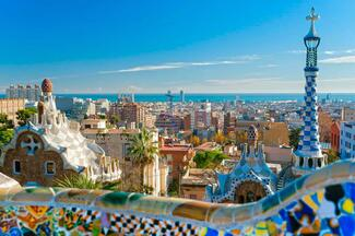 Barcelona City Tour Hop On + Skyline Boat Tour