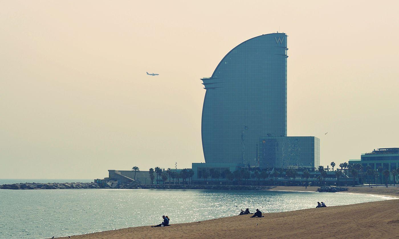 Cafes Barcelona Beach