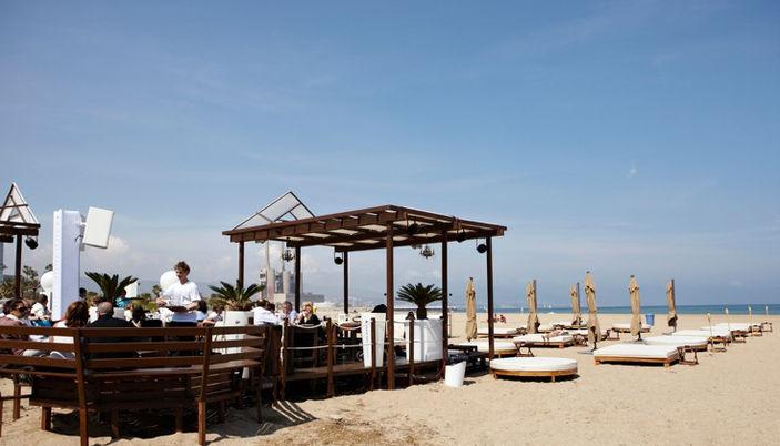Macarena marc beach club in barcelona for Beach club barcelona