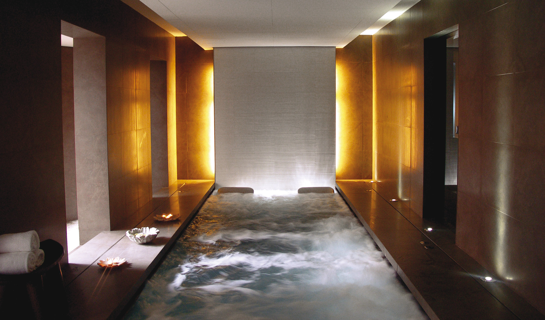 Recommended hotels at barcelona city centre for Hotel spa design
